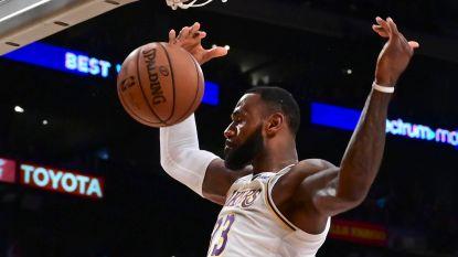 VIDEO. Derde zege op rij voor LA Lakers die uit dak gaan bij eerste NBA-punten van rookie, Clippers lopen een blauwtje