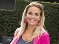 Monique verrast volgers met nieuwe haarkleur en kroost van Jan beleeft luxe première
