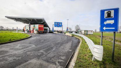 14 transmigranten opgepakt op en rond snelwegparking Mannekensvere