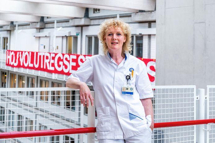 Linda de Roos schreef de verhalenbundel Flinterdun - Indrukwekkende ervaringen op de Intensive Care.