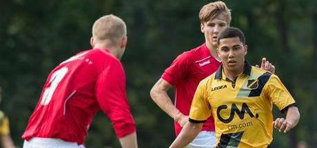 FC Oss huurt middenvelder Vermeer van NAC