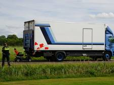 Vrachtwagenchauffeur ziet scootmobiel over het hoofd