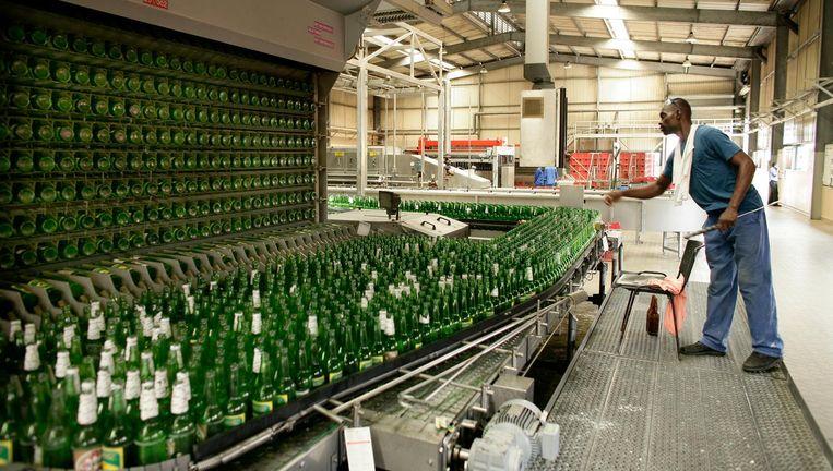 De Brasco bierbrouwerij in Brazzaville, Congo, onderdeel van Bralima, dat eigendom is van Heineken. Beeld getty