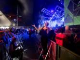 Muziektolken laten ook dove festivalgangers genieten van Appelpop