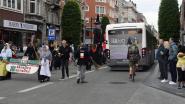 Indrukwekkend ReuzeLeuven verstoord door bussen De Lijn