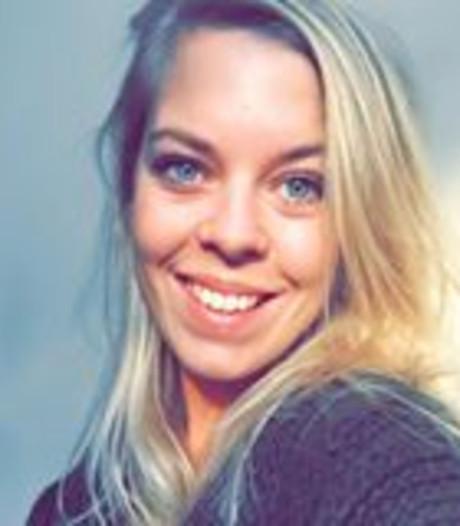 Eline de meest bekeken 'gevallen vrouw tijdens zware storm' op internet