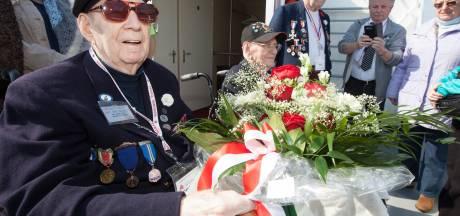 Deventers knuffelveteraan Macleod (95), de Canadees die steeds terugkwam, overleden