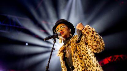 Lauryn Hill laat publiek twee uur op zich wachten in Vorst en laat helft van fans vertrekken na 50 minuten