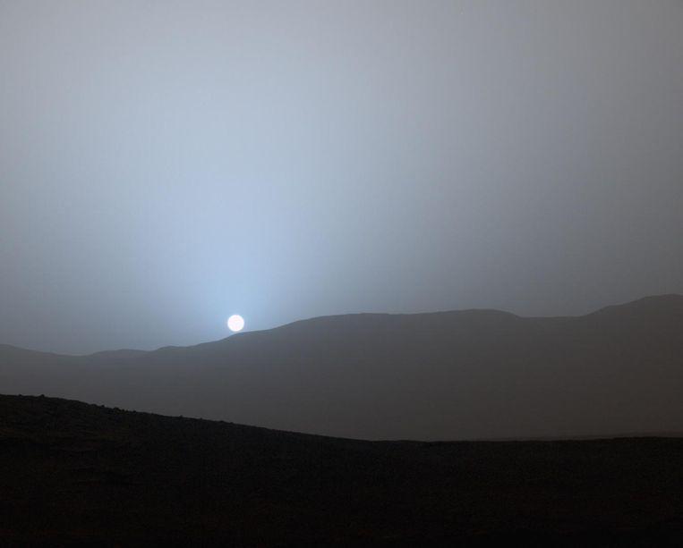De zonsondergang op Mars. Beeld NASA/JPL-Caltech/MSSS
