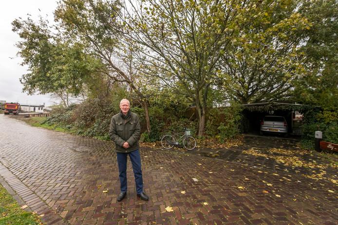 Pieter Heijstek wil nooit meer weg uit zijn huis op de heuvel.