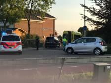 Fietser naar ziekenhuis na botsing met auto in Lunteren