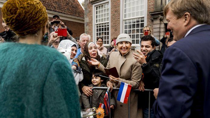 Koning Willem-Alexander en koningin Maxima tijdens een streekbezoek aan Almelo en Noordoost Twente. Tijdens het bezoek staat het thema erfenis als toekomstkapitaal centraal.