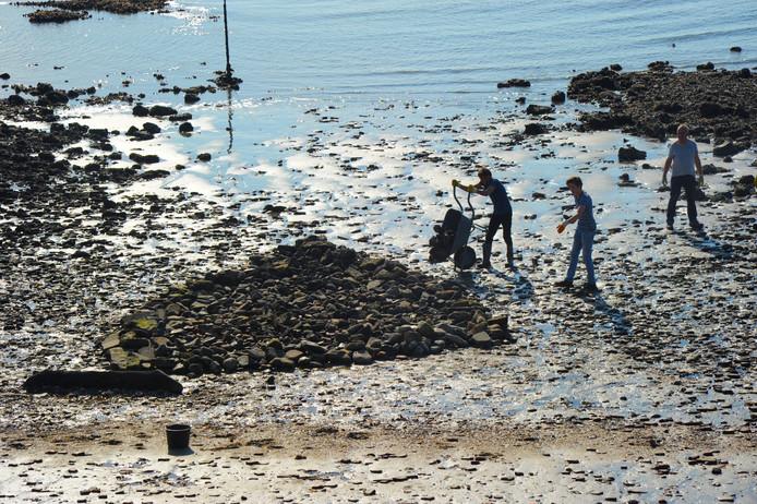 Het scheepswrak is in oktober 2018 onder stenen bedolven om verder zoeken bij het wrak te voorkomen.