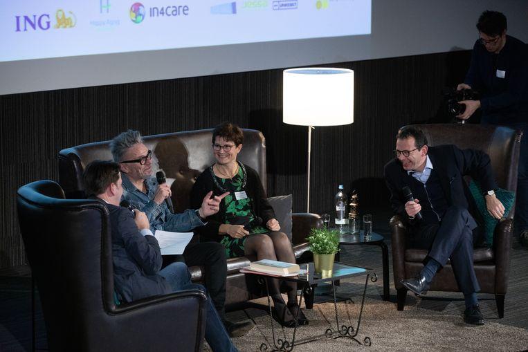 BlueHealth Innovation Center organiseerde een panelgesprek met bekende Limburgers Marcel Vanthilt, Wouter Beke en Griet Vander Velpen over hoe technologie ons kan helpen om langer en gezonder te leven, naar aanleiding van het televisieprogramma van Marcel Vanthilt.