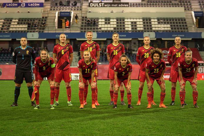 De Red Flames, met doelvrouw Justien Odeurs versloegen dinsdagavond Zwitserland met ruime cijfers en plaatsten zich zo voor het EK van 2022 in Engeland.