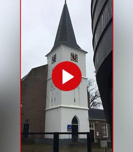 Video van de dag | Hoe laat is het? Deze kerkklokken in Holten helpen je in ieder geval niet verder