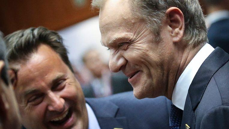 Donald Tusk (r) hier naast de Luxemburgse premier Xavier Bettel. Beeld EPA
