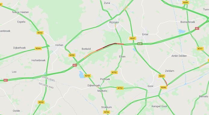 De verkeersdienst van Google Maps laat zien dat het zaterdagochtend druk is op de A1 tussen Deventer en Hengelo, mede als gevolg van het ongeluk vanochtend.