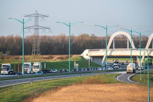 De Westerscheldetunnelweg is zaterdag een groot deel van de dag afgesloten.