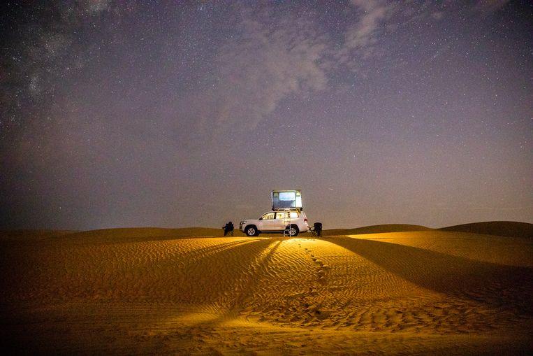Slapen onder de sterren in Wahiba Sands. Beeld null