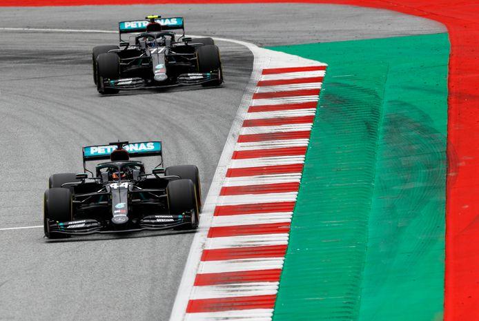 De Mercedessen van Lewis Hamilton en Valtteri Bottas.