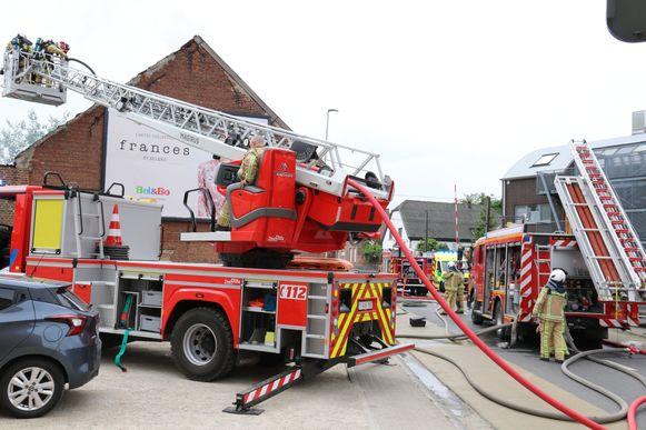 De brandweer kwam massaal ter plekke.