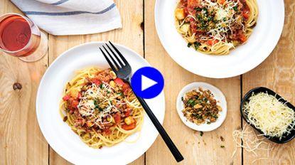 Maak spaghetti bolognaise sensationeel met deze poepsimpele hack (en veel groenten!)