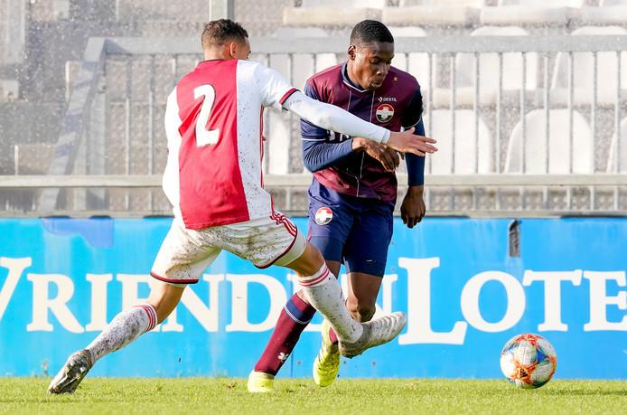 Emmanuel van de Blaak in actie tegen Ajax.