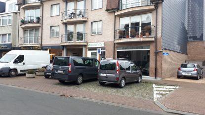 Parkeervakken aan dansstudio moeten lang- en foutparkeerders weren