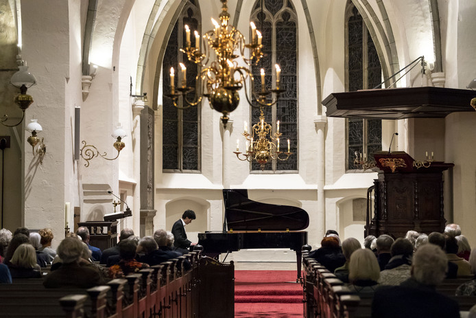 De Cultuurvrienden Oude Blasius Delden beginnen het nieuwe seizoen met een concert ter ere van Beethovens 250ste geboortejaar. Aanstormend pianotalent Santiago Costa speelt werken van deze componist.