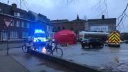 """Jongen (11) doodgereden door vrachtwagen aan fabriek in centrum Aalst, ooggetuige geëmotioneerd: """"Het gegil, de wanhoop van de chauffeur, zal ik nooit vergeten"""""""