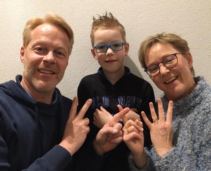 Wessel Schilstra met vader Duco en moeder Abby.