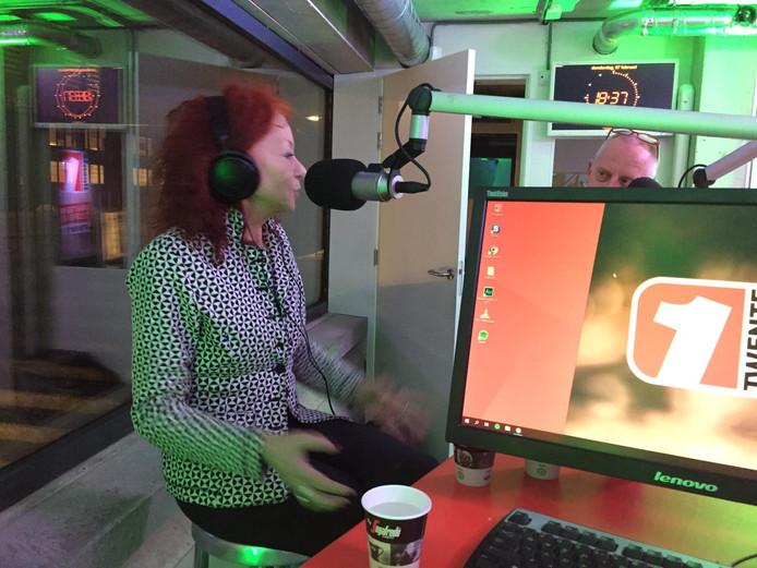 Elsbeth Etty tijdens de opname van Eindeloos Enschede