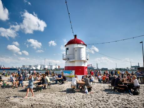 Vlaardings stadsstrand is open: 'We fantaseren over hottubs'