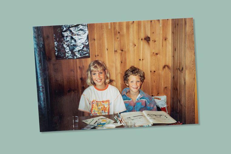 Tim (7), met zijn oudere zus Eva. Beeld Privé archief Tim Fransen