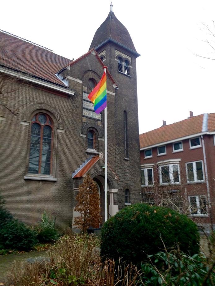 De vlag wappert bij de vrijzinnigen in Schiedam.