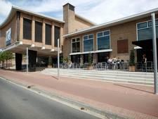 Dove filmmaker Veysi met Deep Look in NatLab Eindhoven