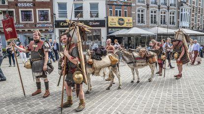 Romeinse legionairs komen aan na tocht van 100 kilometer