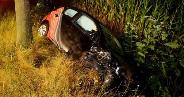 Beschonken automobilist belandt met auto in sloot en raakt gewond bij ongeval Haaren.