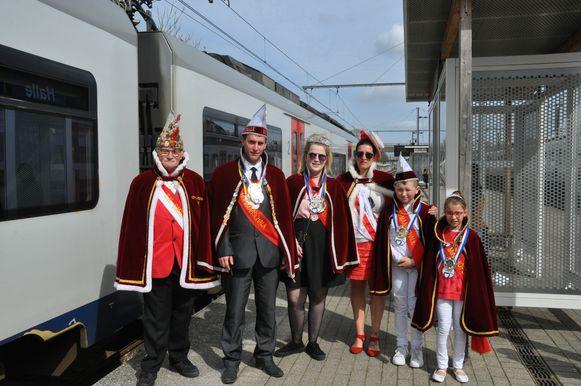 Tano Deloor (10) en Iluna Osselaer (10)  zijn aangesteld als Mini Hofmaarschalkenpaar door de Orde van Hofmaarschalken.