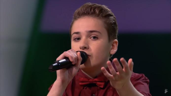 Sam Serlier uit Leimuiden in The Voice Kids.