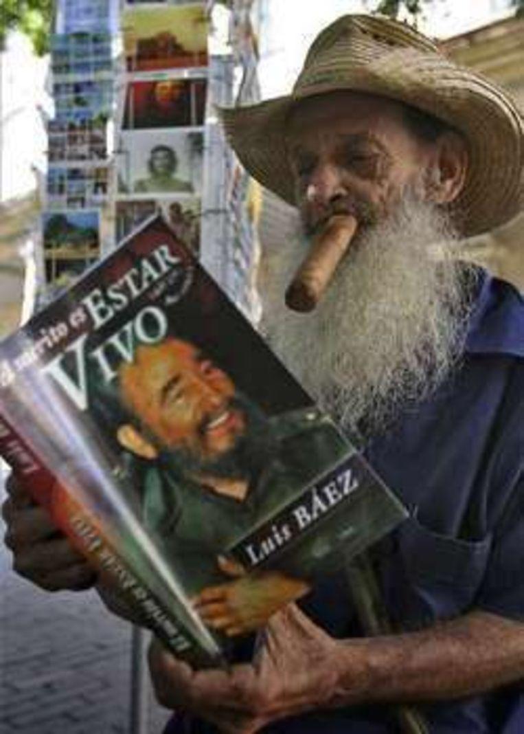 Fidel Castro houdt al meer dan een jaar het ziekbed.