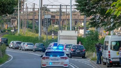 Twee minderjarigen (13 en 15 jaar) bekennen dat ze stenen hebben gegooid naar treinen