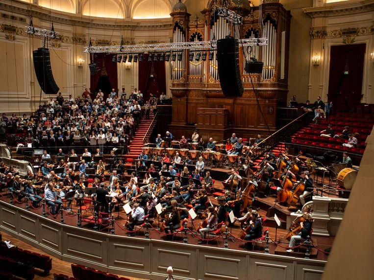 Het Concertgebouworkest tijdens een repetitie voor het Requiem van Hector Berlioz. Die schrijft maar liefst zestien pauken voor. Beeld Pétrie de Vries