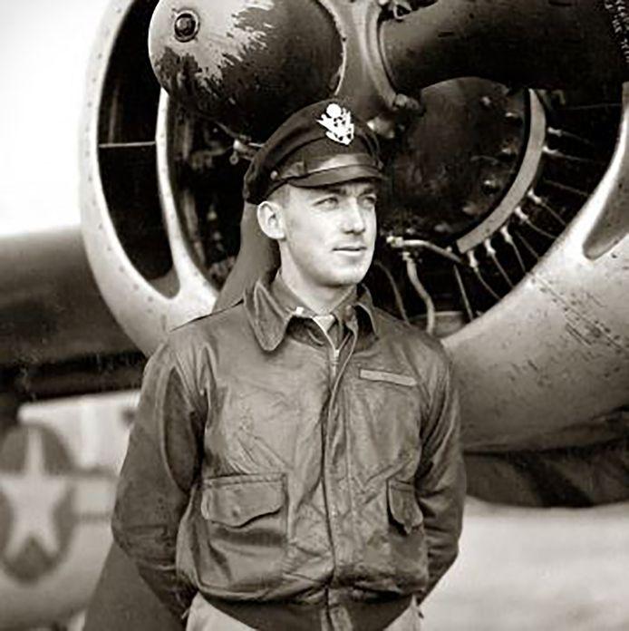 Piloot haynes baumgardner piloot van Liberator bommenwerper die laag over West-Brabant vloog in 1944