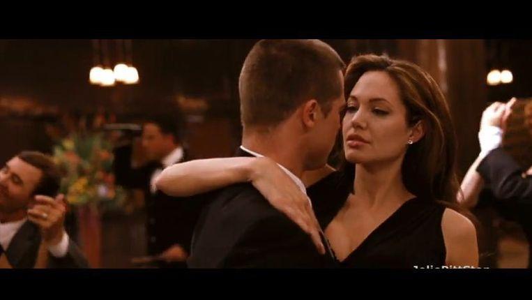 Screenshot van de film Mr and Ms Smith, over twee spionnen die met elkaar getrouwd zijn, maar niet van elkaar weten wat voor een werk ze doen. Deze film is geproduceerd door Arnon Milchan, die zelf een spion voor Israël blijkt te zijn. Beeld screenshot