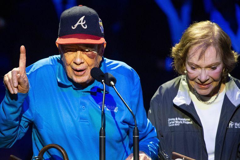 Jimmy Carter met zijn vrouw Rosalynn Carter. De gevolgen van zijn val zijn zichtbaar aan zijn linkeroog.