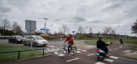Zorgen om gevaarlijke rotonde in Nijverdal: 'Het is wachten op eerste verkeersdode'