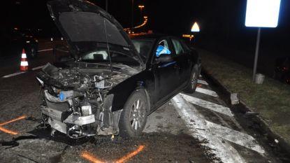 Drie zwaargewonden bij zware aanrijding op N49 in Maldegem