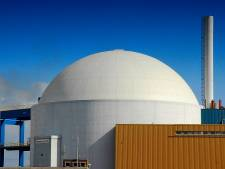 Greenpeace vangt bot met eis milieuonderzoek kerncentrale